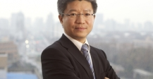 Dean Lu Fudan School of Management